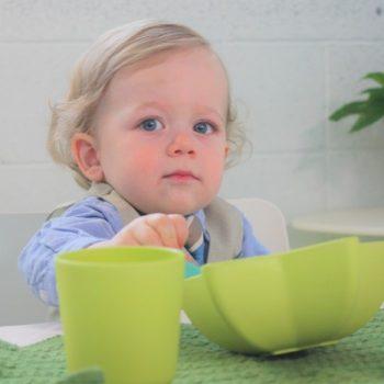 Bol-étoile-et-tasse-en-bambou-pacific-baby-vert