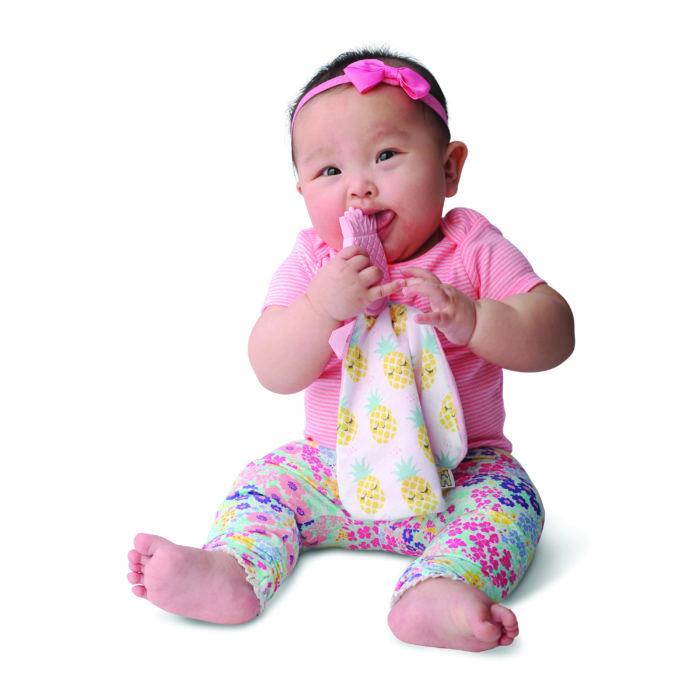 Jouet-dentition-doudou-Malarkey-Kids-Ananas