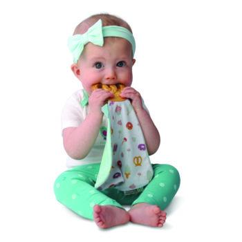 Jouet-dentition-doudou-Malarkey-Kids-sucré-salé-avec-bébé