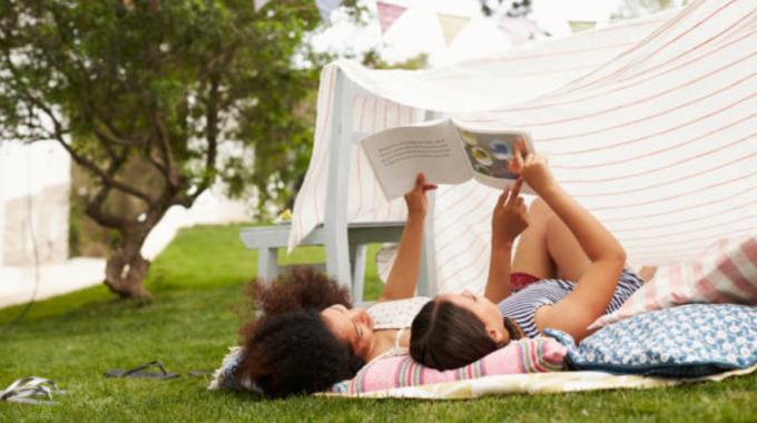 5 Raisons Qui Vous Pousseront à Lire Une Histoire à Votre Enfant Tous Les Soirs